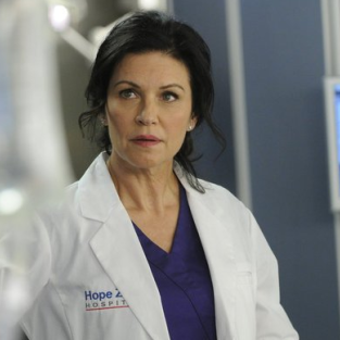 Wendy Crewson to Battle Conrad Grayson on Revenge