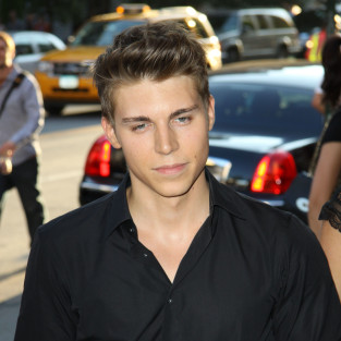 Nolan Gerard Funk Cast as New Directions Rival on Glee