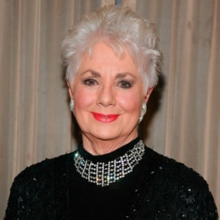 Shirley Jones to Move In on Cougar Town
