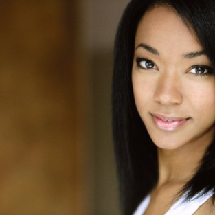 Sonequa Martin-Green Cast on Once Upon a Time