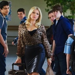 CBS Orders Bad Teacher to Series