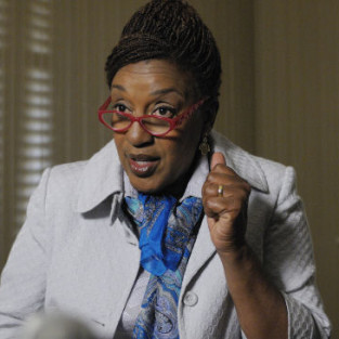 CCH Pounder to Lawyer Up on Sons of Anarchy