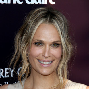 Molly Sims to Appear on Royal Pains Season Finale