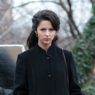 Annet Mahendru and Mike Dopud to Guest Star on White Collar