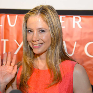 Mira Sorvino to Craft Guest Appearance on Psych Season 8