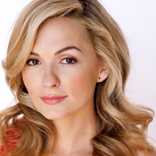 The Carrie Diaries Casts Samantha!