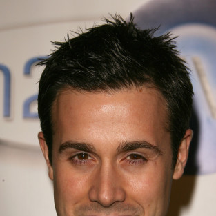Freddie Prinze Jr. Cast on Bones Season 9