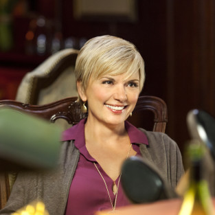 Teryl Rothery to Provide Counsel on Arrow Season 2