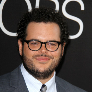Josh Gad to Star Opposite Billy Crystal on The Comedians