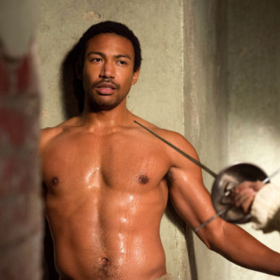 "The Originals: Charles Michael Davis on Being the ""Life of the Party,"" Not Wearing Clothes, Flashing Back"