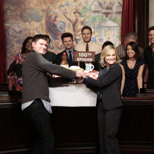 Parks and Recreation Cast Celebrates 100 Episodes: Photos
