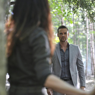 Nikita: Watch Season 4 Episode 1 Online