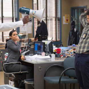 Brooklyn Nine-Nine Review: Kicking It Old School