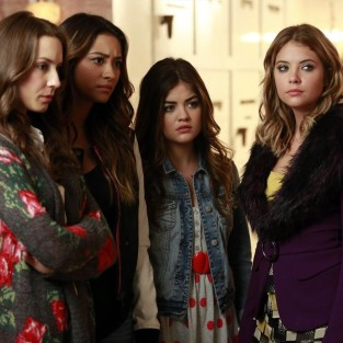 Pretty Little Liars Return Photos: Who's in the Box?