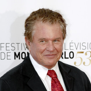Tom Berenger Cast on Hawaii Five-0 As...