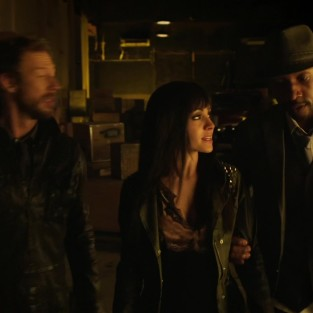 Lost Girl: Watch Season 4 Episode 1