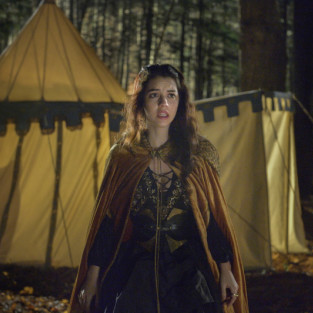 Reign: Watch Season 1 Episode 10 Online