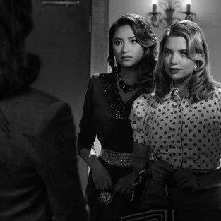Pretty Little Liars: Watch Season 4 Episode 19