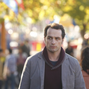 The Americans: Watch Season 2 Episode 1 Online