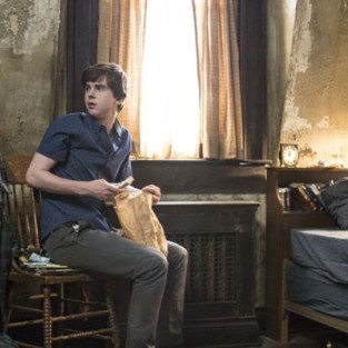 Bates Motel: Watch Season 2 Episode 2 Online