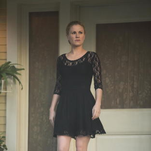 Sookie in black true blood s7e10