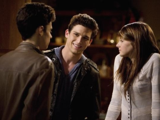 Watch The Secret Life of the American Teenager Season 2 Episode 1