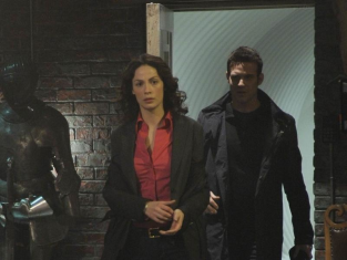 Watch Warehouse 13 Season 1 Episode 4