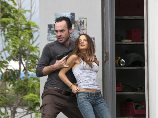 Watch Burn Notice Season 3 Episode 9