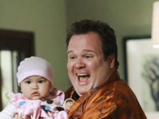 Watch Modern Family Season 1 Episode 1