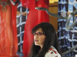 Watch Ugly Betty Season 4 Episode 1