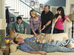 Watch Modern Family Season 1 Episode 3