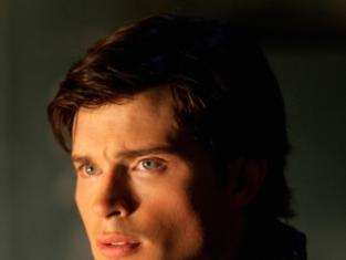 Watch Smallville Season 9 Episode 3