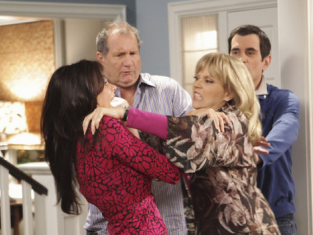 Watch Modern Family Season 1 Episode 4