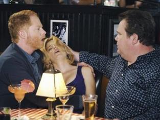 Watch Modern Family Season 1 Episode 8