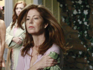 Watch Desperate Housewives Season 6 Episode 8
