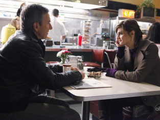 Watch Castle Season 2 Episode 12