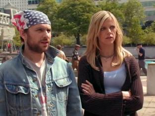 Watch It's Always Sunny in Philadelphia Season 2 Episode 9