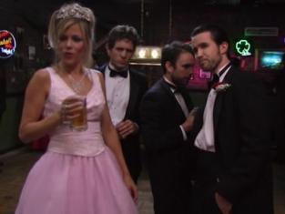 Watch It's Always Sunny in Philadelphia Season 1 Episode 3