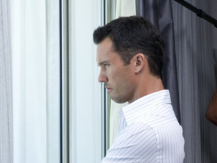 Watch Burn Notice Season 3 Episode 13