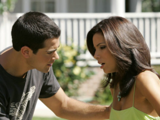 Watch Desperate Housewives Season 2 Episode 3