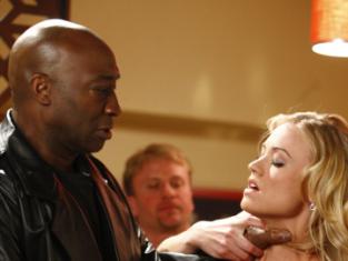 Watch Chuck Season 2 Episode 1