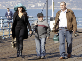 Watch Modern Family Season 1 Episode 16