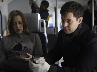 Watch Fringe Season 2 Episode 17