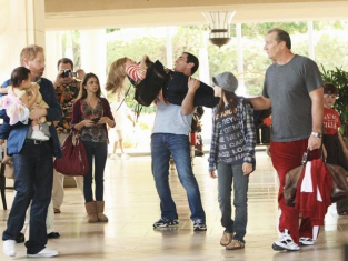 Watch Modern Family Season 1 Episode 23