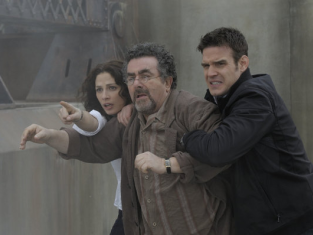 Watch Warehouse 13 Season 2 Episode 1