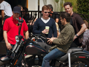 Watch Entourage Season 7 Episode 3