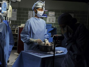 Watch Grey's Anatomy Season 7 Episode 2