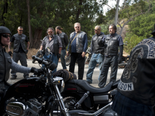 Watch Sons of Anarchy Season 3 Episode 5