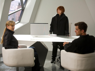 Watch Fringe Season 3 Episode 6