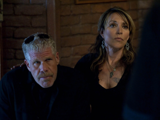 Watch Sons of Anarchy Season 3 Episode 11